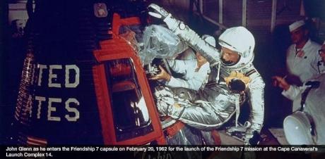 (w460) Astronautu
