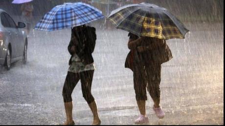 Sâmbătă şi duminică, instabilitate atmosferică în toată ţara! Informare meteo