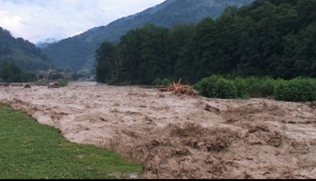Cod galben de inundaţii pe râuri din 23 de judeţe