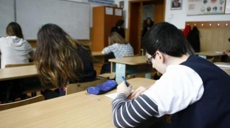 ultima-zi-de-scoala-pentru-elevii-de-clasa-a-xiia-urmeaza-examenul-de-bacalaureat