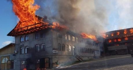 incendiu-la-manastirea-sf-mina-din-ro