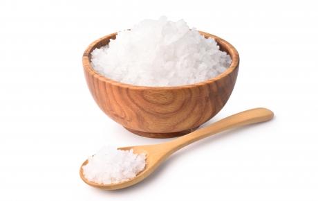 Consumul excesiv de sare ar putea afecta celulele sistemului imunitar, potrivit unui nou studiu