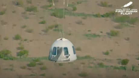 VIDEO Jeff Bezos a zburat cu succes în spațiul cosmic la bordul vehiculului New Shepard
