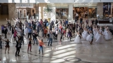 O zi obişnuită pentru cumpărături sau cum să organizezi un flashmob de ziua ta