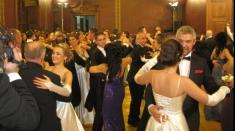 """Pregătiri pentru """"Balul vienez"""", la Regional Cafe"""