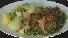 Ciorba și mâncărica cu castraveți murați