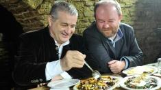 Actorul Mihai Constantin găteşte de post cu Mircea Dinescu la Politică şi delicateţuri