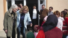 """Leslie Hawke şi aventura ei românească, marţi la """"Destine ca-n filme"""""""