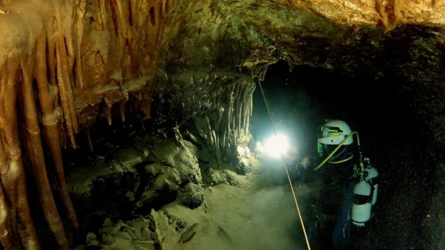 Peștera Piatra din Dobrogea
