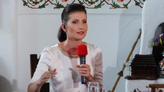 Laura Lucescu