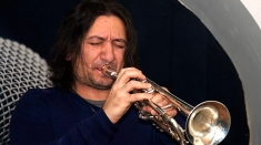 "Trompetistul Emil Bîzgă, de la clasic la jazz, via etno, vineri la ""Lumea şi noi"""