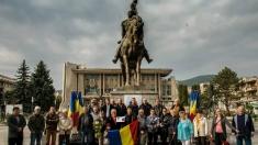"""Succese ale Teatrului Merlin din Timisora şi """"Premiantii fara premii"""" de la Deva"""