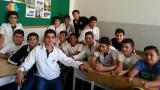 Anca Cheaito şi elevii ei din Liban