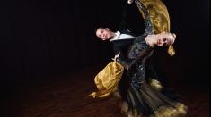 Premieră la Teatrul MERLIN şi competiţii sportive de mare eleganţă!