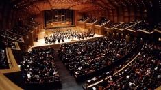 """Românca din Orchestra Naţională de Muzică a Greciei, joi la """"Lumea şi noi"""""""