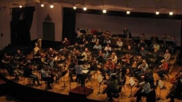 (w640) Filarmonic