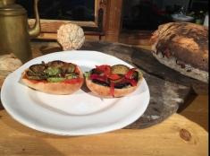 Reţeta lui Dinescu: Cremă de ciuperci şi dovlecei