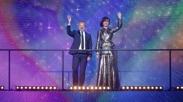 Hosts_of_the_Eurovision_Greatest_HitsThomas Hanses (EBU), Guy Levy - © BBC 2015
