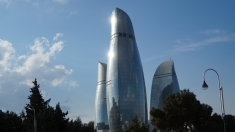 Baku, oraşul zămislit din mătase şi petrol