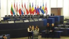 """Concursul european pentru licee, joi la """"Lumea şi noi"""""""