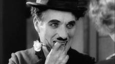 Charlie Chaplin ne zâmbește în prima Teleenciclopedie din 2021| VIDEO
