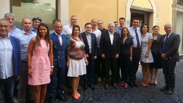 Angel Tîlvar și românii din Italia