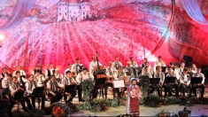 """Festivalul Naţional de Folclor """"Strugurele de Aur"""", în Tezaur folcloric"""