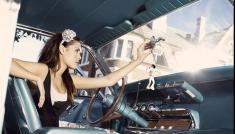 Atenţie, femeie la volan!