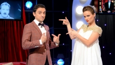 Sus cortina pentru noul sezon Gala umorului, cu Diana Cavallioti şi Dragoş Huluba