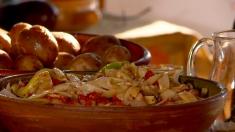 Rețeta lui Dinescu: Frigăruie de organe de miel și salată de toamnă