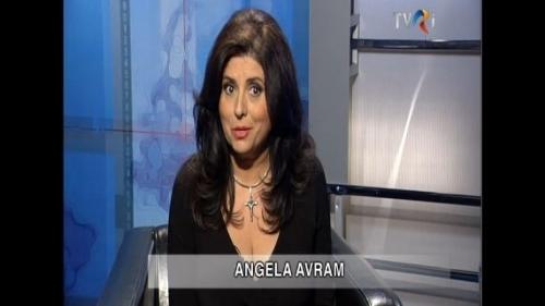(w500) Angela Avr