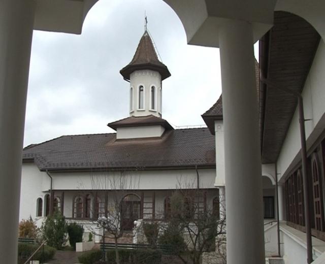(w640) biserica