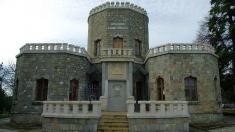 Un periplu prin muzee, castele şi locuri pline de farmec