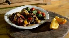 Rețeta lui Dinescu: ostropel de cocoș și sushi de ștevie