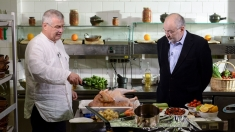 Filosofie în bucătărie, cu Stelian Tănase, la Politică şi delicateţuri
