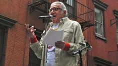 Sâmbătă, un poet newyorkez... Remixează: Valery Oișteanu