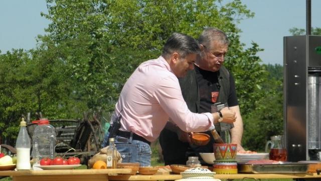 Dinescu si Mircea Radu gatesc