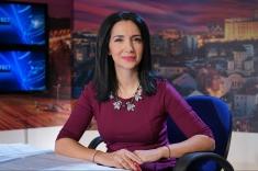 Emma Zeicescu, în dialog cu personaje parodiate de Grupul Vouă