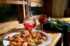 Rețeta lui Dinescu: Salată Sankt Petersburg și murături pane