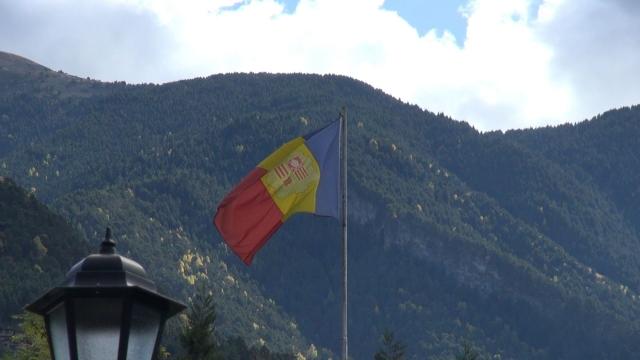 Cap compas, Andorra