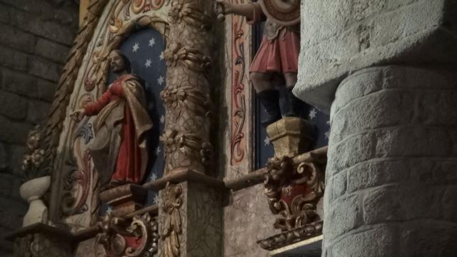 Cap compas, interior picturi biserica