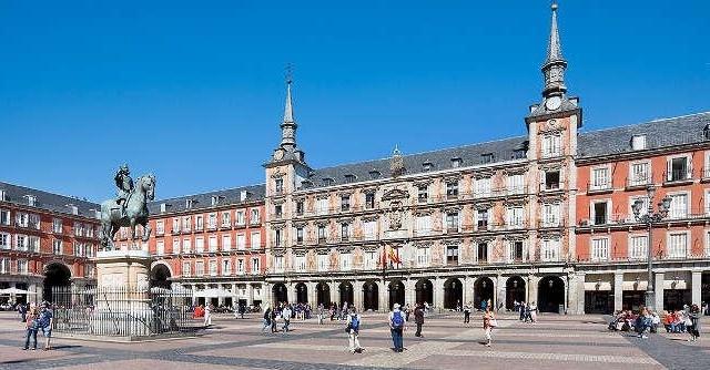 Cap compas, Spania