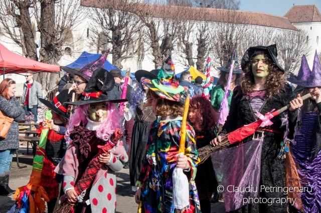 (w640) carnavalul