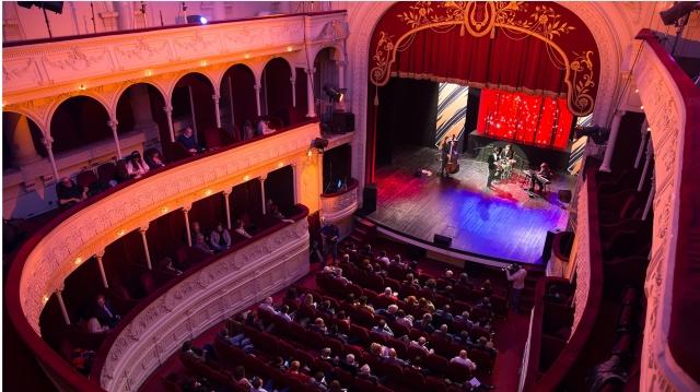 La TVR 3 îi cunoaştem pe laureaţii Galei Premiilor Radio România Cultural