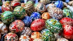 Corespondent TVRi, despre performanţe culturale şi tradiţii pascale