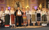 popasuri folclorice