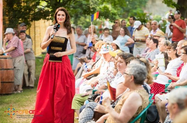 Iuliana Tudor la Muzici si Traditii in Cismigiu_foto Dragos Toader