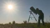 """9 eclipse în 9 poveşti! """"Vânătorul de eclipse"""" şi aventurile sale, la TVR"""