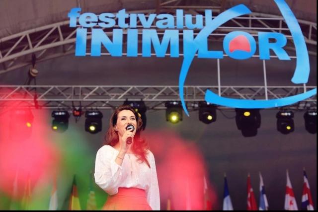 (w640) Iuliana Tu