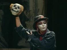 """Spectacolul """"Hamlet"""", difuzat la TVR 3 şi TVR Internaţional"""